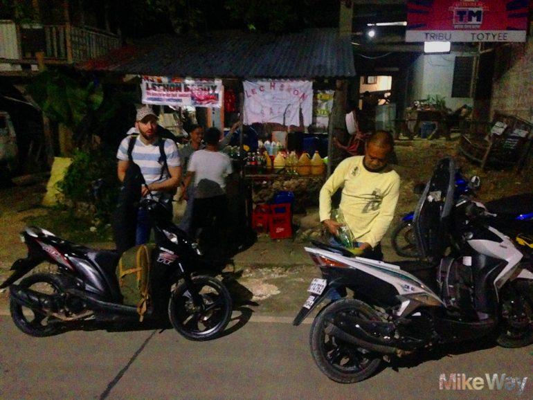 Pierwsze tankowanie benzyny na Filipinach.