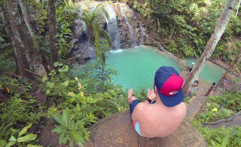 Knuję nad wodospadem Lungason